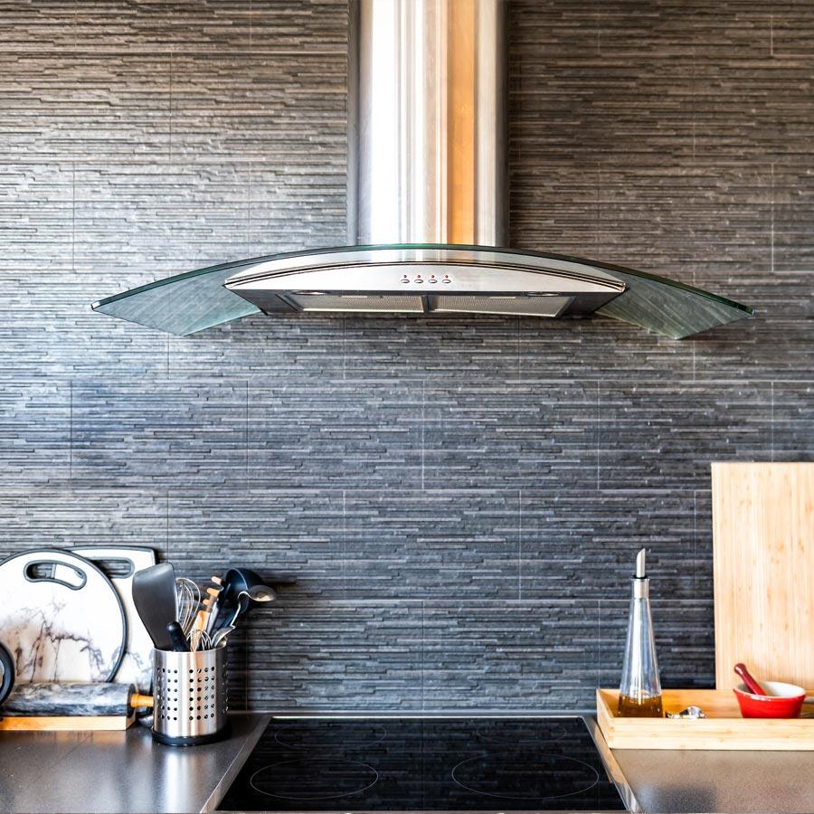 Naturstein und Fliesen in der Küche